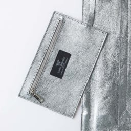 LAURA DI MAGGIO(R)/ラウラ ディ マッジオ 一枚革トートバッグ(イタリア製) ポーチ付き