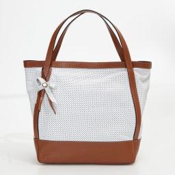 RIPANI/リパーニ パンチング加工 トートバッグ (ア)ホワイト×ブラウン