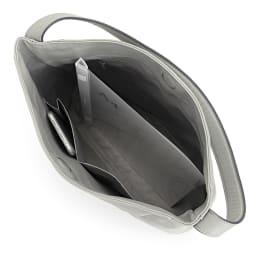 ソフトレザー ワンショルダーバッグ A4縦サイズ収納可 /138×67mmスマートフォン 内ポケット収納可