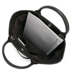 パイソン柄 ポーチ付き レザー トートバッグ A4縦サイズ収納可/138mm×67mmスマートフォン内ポケット収納可