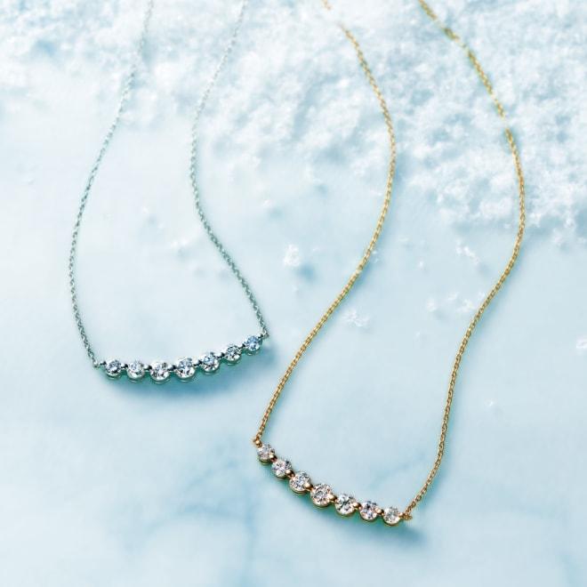 K18 0.7ctダイヤ デザイン ネックレス 左から (イ)WG (ア)YG