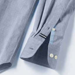 SCENE/シーン ツイルシャンブレー シャツ(日本製) 上剣ボロにグログラン、下剣ボロには別布を施し、さりげない遊び心をプラス。 ※画像は同シリーズの別商品(PC67-01)です。