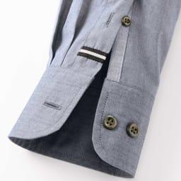 SCENE/シーン ジャパンメイド ビッグチェック シャツ スリム 上剣ボロにグログラン、下剣ボロには別布を施し、さりげない遊び心をプラス。 ※こちらの画像は同シリーズのカーボンピーチシャツ(商品番号:PC67-11)です。