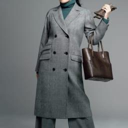 「NIKKE」 二重織 千鳥 ジャカード コート コーディネート例 /マニッシュな中に匂い立つ、女性らしさが魅力のジェントル・ウーマン