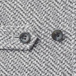 セーターフリースカバーオール ウエストアジャスター付きでボタンの位置を変えて、シルエットを調整することも可能。