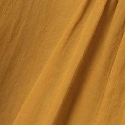 シャーリング使い ギャザー ロングワンピース 生地アップ ※お届けする商品の色はモデル着用の方が近いです。