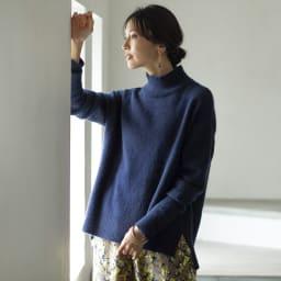 YUKIKO OKURA/ユキコ・オオクラ カラーストーン フリンジ フープピアス (ウ)ラピスラズリ コーディネート例