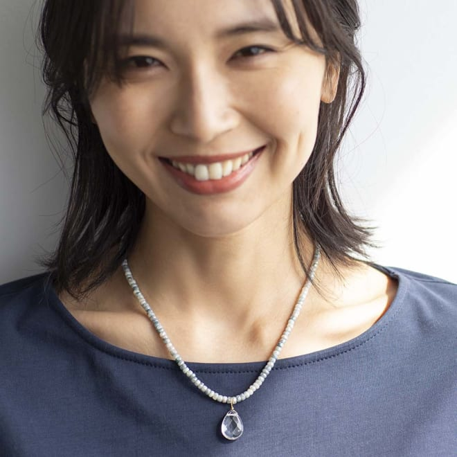 YUKIKO OKURA/ユキコ・オオクラ SV シリマナイト クォーツヘッド付き ネックレス 着用例