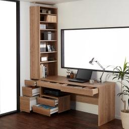 【レンタル商品】天然木調 配線すっきりデスクシリーズ デスク・幅150cm奥行60cm コーディネート例(ア)ブラウン ※お届けはデスク・幅150cmです。
