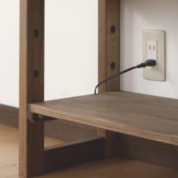 【レンタル商品】国産檜 頑丈突っ張りシェルフ 幅45奥行29cm(天井対応高さ188~252cm) 背板がないので、コンセントやスイッチが使えます。