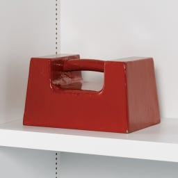 【レンタル商品】組立不要1cmピッチ頑丈棚板本棚 扉タイプ 幅60奥行31cm 重い物も載せられる頑丈棚板。耐荷重は棚板1枚当たり20kg!(写真はイメージ)