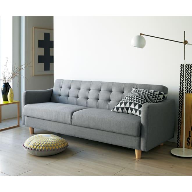 【レンタル商品】デザインにこだわったソファベッド 幅176cm奥行70cm 北欧風のスタイリング。(柄のクッションはスタイリング小道具です)(ア)ダークグレー