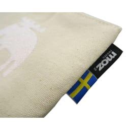 moz(モズ)/帆布ホケットティシュポーチ 3色セット|エルク mozのロゴとスウェーデン国旗の織りネームが付いています。