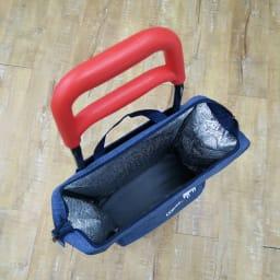 moz(モズ)/ショッピングキャリーバッグ|エルク 内側には保冷保温のアルミシートが付いているので、食料品のお買い物に重宝します。