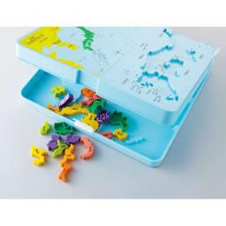くもん/くもんの日本地図パズル|知育玩具 パズル台をたたんでピースを収納できます。