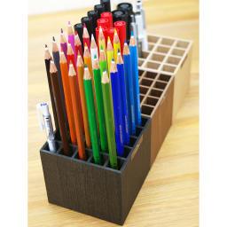 橋本達之助工芸/バスク ペンスタンド 25本収納|ペン立て 15mmマスで鉛筆やペンなど25本収納できます。