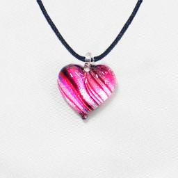 日本製ハンドメイドグラスジュエリー|ノースワングラスジュエリー/Pink Line ピンクラインハートネックレス