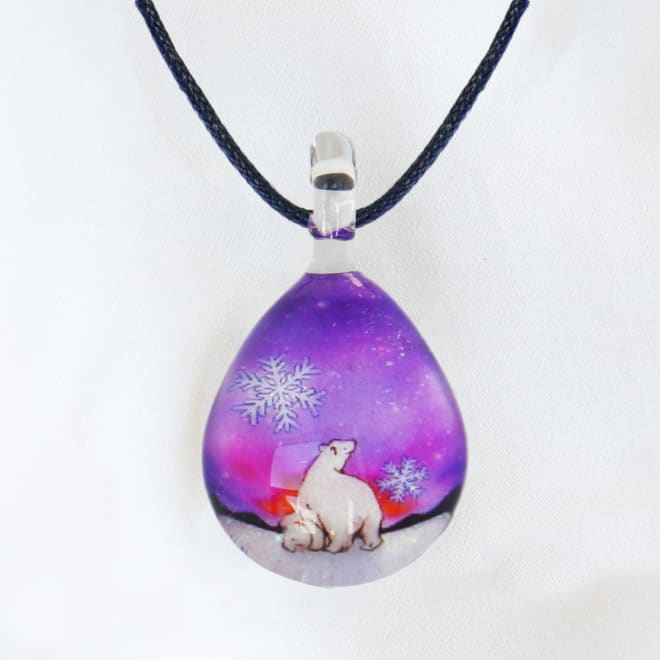 日本製ハンドメイドグラスジュエリー|ノースワングラスジュエリー/Polar Bear Snowネックレス