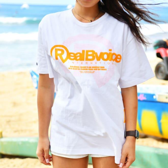 RealBvoice(リアルビーボイス)/リバースプリント Tシャツ リバーシブルで着用可能なTシャツ。メンズSサイズ着用
