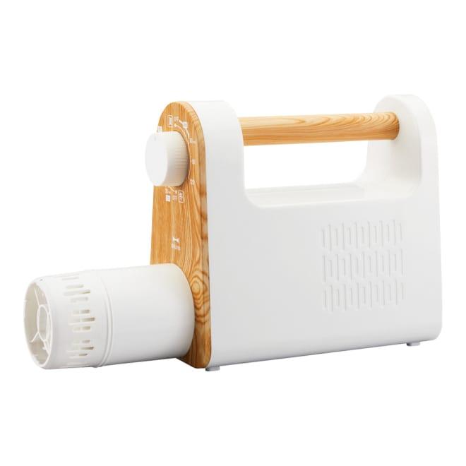 BRUNO/ブルーノ マルチ布団ドライヤー 軽くてコンパクト、なのにパワフルな布団乾燥機。おしゃれ家電ブランド「BRUNO」ならではのデザイン性の高さも魅力です。