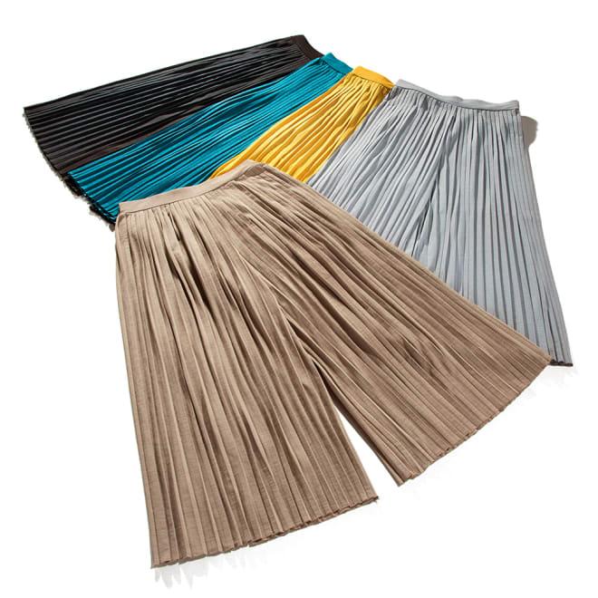 ビューティープリーツパンツ おしゃれなのに、はき心地ラク!見た目はスカートですが、実はパンツで動きやすい。体型カバーもしてくれる、使えるプリーツパンツが初登場!