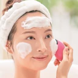 ミーゼ クレンズリフト 使い方は簡単!クレンズリフトモードは、洗顔料を泡立てて顔になじませ、濡らした本体で円を描くように滑らせてください。