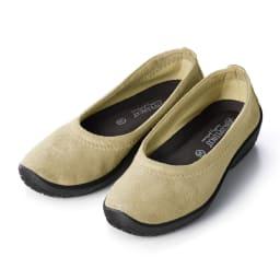 ARCOPEDICO/アルコペディコ バレエシューズ (イ)ベージュ…素足のような感覚のベージュは脚長効果も発揮!装いを選ばず、一年中長く活躍するカラーです。