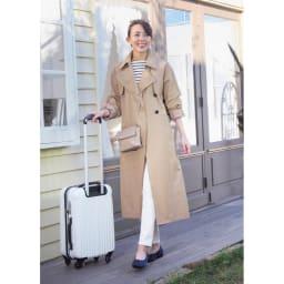 ARCOPEDICO/アルコペディコ バレエシューズ (カ)ネイビー…ネイビーは大人のカジュアルスタイルを格上げしてくれます。旅行シーンにもぴったり!