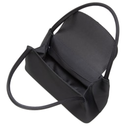 岩佐 コード刺しゅうフォーマルソフトバッグ 長財布やポーチ、ふくさ、念珠、スマホなどの必需品に加え、折りたたみ傘や500mlペットボトルまで入ります。