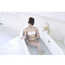 家庭用キャビテーションマシン「キャビスパRFコア」 防水仕様(IPX7)で湯船につかりながら使えます。お風呂で使えばジェル不要で、さらに手軽!