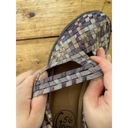 GOMUGOMU/ゴムゴム クロスシューズ ゴムだからよく伸びて、足にやさしくフィット!靴が足に合わせてくれるような感覚。靴の中で足指が動かせるほど楽チン。幅広や外反母趾の方にもおすすめ!