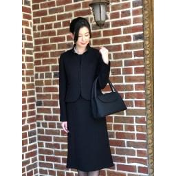 岩佐 コード刺しゅうフォーマルソフトバッグ 正式な黒の布製で、柔らかく艶のある素材を採用。作るには高度な技術が必要で、岩佐の熟練職人の中でも2人しか作れません。