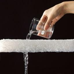ブレスエアー(R)敷布団NEO(シングル) ブレスエアー(R)は水をそのまま通すほど通気性が良い。だから熱や湿気をサラッと逃がし、蒸れにくい!
