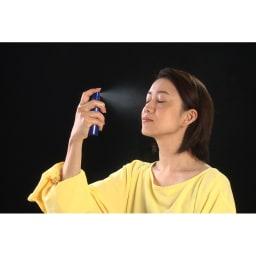 リメモ ガードルメイクミストW 使い方は、いつものメイクの上からシュッと吹きかけるだけ。目を閉じて20cm~30cm程度離してスプレーしてください。