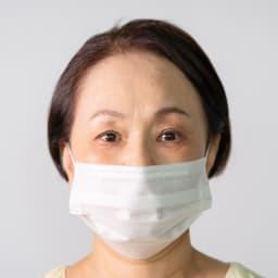 リメモ ガードルメイクミストW (使用前)マスクをすると眉間や目元の小じわって余計に目立つ...