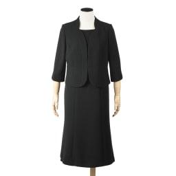 東京ソワール ブラックフォーマルアンサンブル ウエストから裾に向けて少し広がる女性らしいエレガントなAライン。