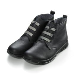 フィグリーノ レザーブーツ コロンと丸いつま先が可愛くておしゃれ。靴ヒモ部分がゴム仕様で、サッとはけて、スポッと脱げる。 (ア)ブラック