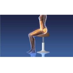 ミズノ スクワットスリール 背筋が伸びた良い姿勢で「スクワット」すると、太ももの筋肉だけでなく、お腹の奥のインナーマッスルもしっかり使われる!ウエストの引き締めを目指す運動としてもおすすめ。