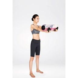 タイカンストリーム スタンダード / TAIKAN STREAM STANDARD 本体を持つ、抱えるだけでもトレーニングになりますが、さらに持ち上げる、振る、倒す、回すといった動きで体幹のインナーマッスル、アウターマッスルを鍛えます。