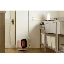 省エネなのにパワフル! ±0/プラスマイナスゼロ リフレクトヒーター エアコンが届きにくい場所や、もともと暖房がない場所などのスポット暖房にぴったり!