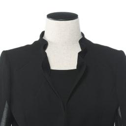 東京ソワール ブラックフォーマル アンサンブル風ワンピース 上品でエレガントな立ち襟が首をほっそり、美しく見せます。
