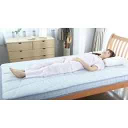 西川 キューブフロートマットレス(シングル) 寝るだけで、体をピーンと真っすぐに。