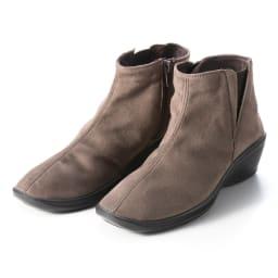 ARCOPEDICO/アルコペディコ ショートブーツ モカ…暖かみのあるブラウン系の色味は、女性らしくフェミニンなコーデに!