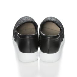 ラックラック 空飛ぶスリッポン 踵部分は柔らかなヤギ革。インソールは取り外して丸洗いOK!靴の中はいつも清潔。