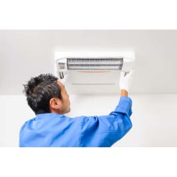 浴室換気乾燥暖房機(標準取り付け工事付き) 標準取り付け工事も1~2時間と早い!付けたその日からあったかバスタイムが楽しめます。※電気配線がないなど別途工事が必要な場合は、その場で費用をお見積もりします。※標準取り付け工事時間は環境により異なります。