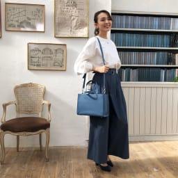 千秋プロデュース 15ポケット トートバッグ 斜め掛けも可能。 (ウ)ブルージーン…デニムを思わせる落ち着いた色合いのブルージーン。装いを選ばず活躍します。