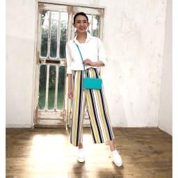 レジェンド松下 ちょうどいいウォレットバッグ (ウ)ターコイズ…華やかなターコイズは装いのアクセントにもちょうどいい。