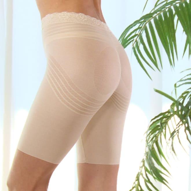 美ボディメイクヒップ 穿いた瞬間、キュッとお尻が上がり、プリッと丸い美尻に補整!さらに穿き続けると、実際にスリムを目指します。