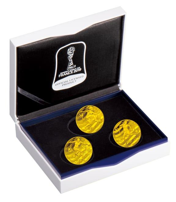 FIFA女子ワールドカップ フランス2019公式記念コイン 金貨3種セット 特製ケースに入れてお届け致します。