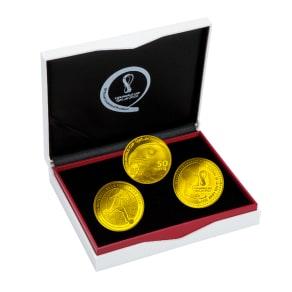 FIFAワールドカップカタール2022公式記念コイン 金貨3種セット 写真